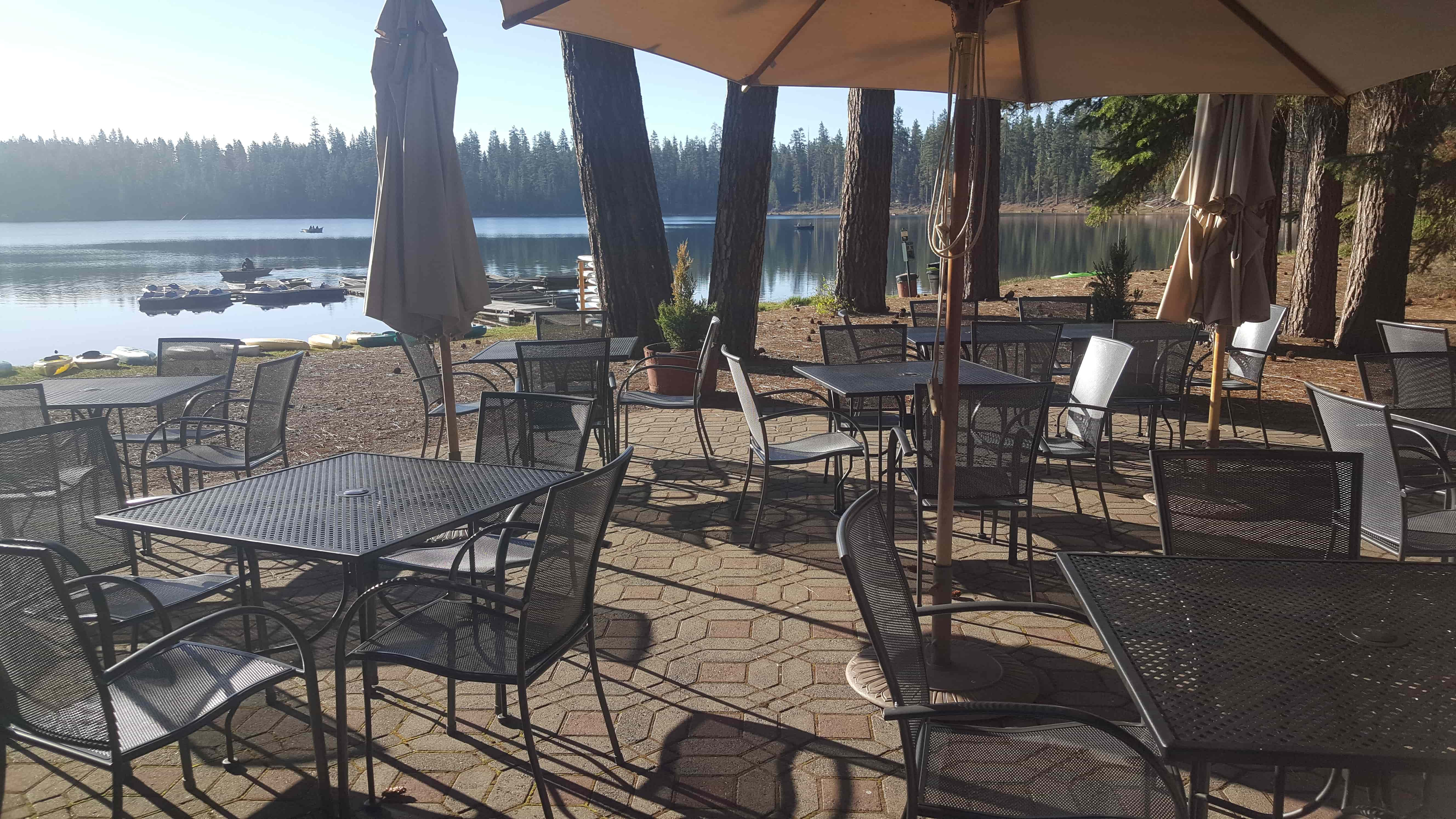 Twin Lakes Resort patio min