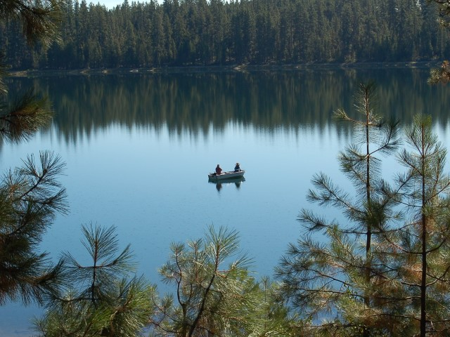 Home twin lakes resort in beautiful central oregon for Wickiup reservoir fishing
